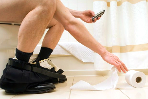Stop using phone in public toilets