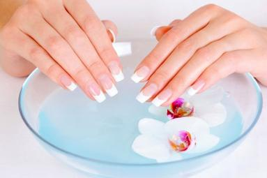 Tips to take care of your nails!